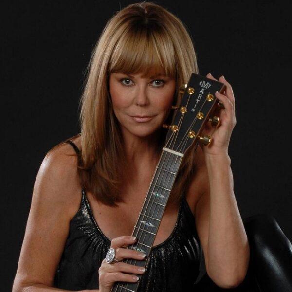 "Lynne Taylor Donovan Releases Holiday Classic ""Dear Santa"""